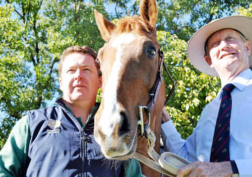 Warwick vet Chris Reardon and Maranoa member Bruce Scott with Cruise the horse at the Coalition's Hendra virus protection plan launch, inspired in part by Dr Reardon's wife Kelly.