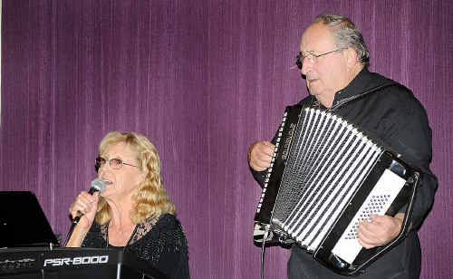 Anne and Ray Watson play a New Zealand favourite.