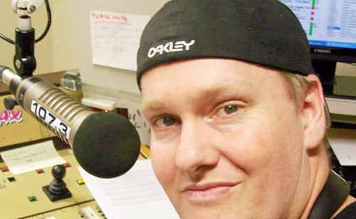 Former Bundaberg radio announcer Craig Huth has received a triple nomination in the 2010 Australian Commercial Radio Awards.