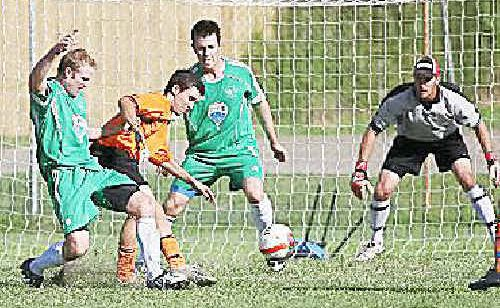 Clinton will clash with Cap Coast in the Capricorn League grand final on Saturday night at Apex Park.
