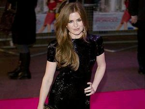 Isla Fisher thanks supportive women in Hollywood