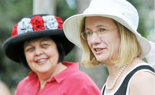 QLD Health Chief Health Officer Dr Jeannette Young with Gladstone Acting Mayor Gail Sellers.