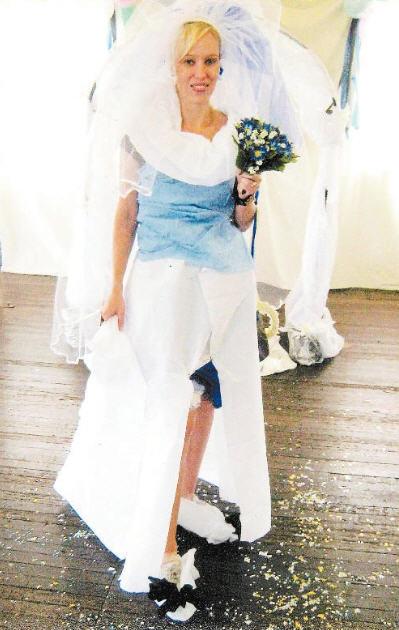 CAne Country Clogger leader Sonya Volzski celebrated her wedding shower last week.