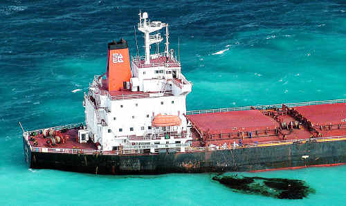The government has released an independent report into the grounding of the Shen Neng coal carrier on the Great Barrier Reef in April.