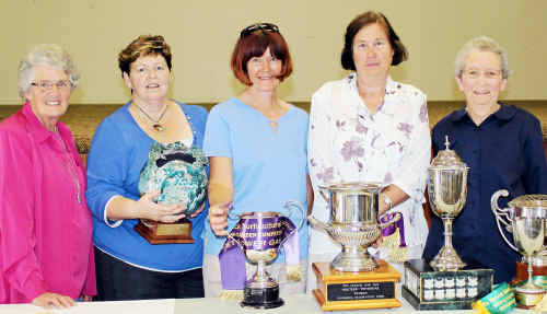 Margaret Armstrong, Shirley Olive, Avis Stehn, Vivian Bond and Merl Bamberry were some of the winner.