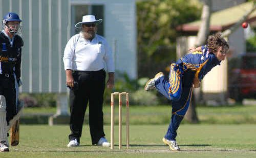 Souths bowler Josh Del Simone took three wickets in his side's Twenty20 match against Farleigh.