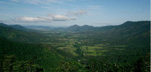 With breathtaking views over the Pioneer Valley and the country's biggest stretch of subtropical rainforest, Eungella is a great drawcard for tourists.
