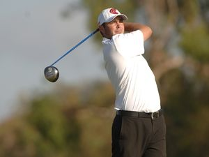 Broken hand hits Bowditch Tour bid