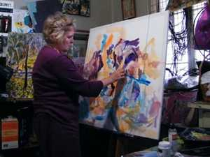 Roz returns to artistic roots