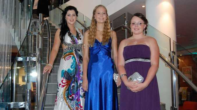 Shanaed Jackson (left) from Nambour State High School has won Finda's formal best dressed competition 2010.