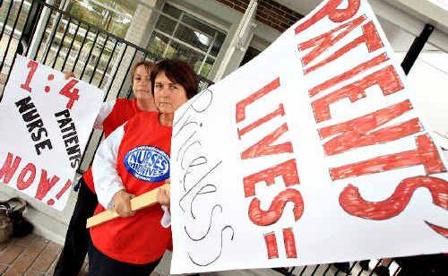 Nurses Viv Reid and Helen Kearney at the Tweed Civic Centre rally.