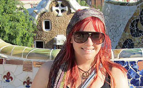 With freshly died red locks the former reporter took on Spain.