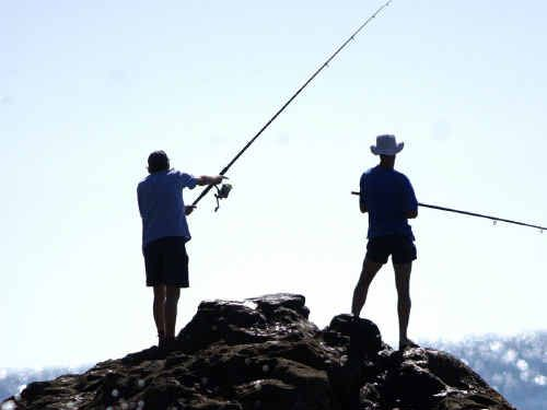 The public is urged to discuss a government paper proposing that rock fishers wear life jackets.