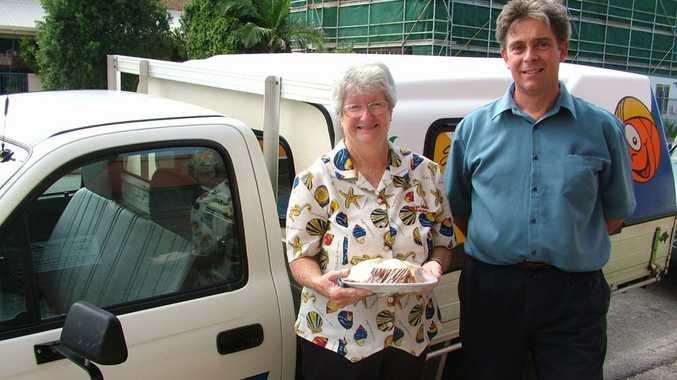Jan Punter and Meals on Wheels program manager Hamish Ogg.