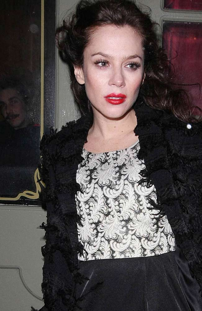 Anna Friel and 'Harry Potter' star David Thewlis have reportedly decided to end their nine-year relationship.