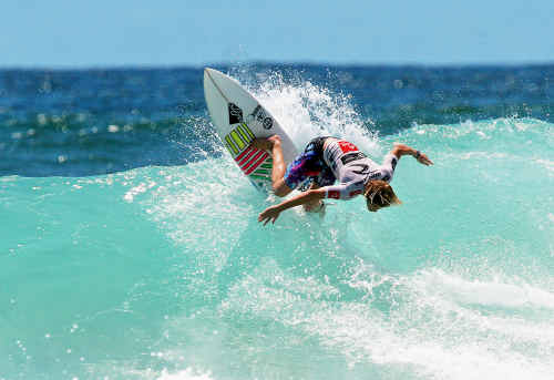 Queensland surfer Eli Steele captured the 'blue ribbon' Australian under-18 junior title at Park Beach on the weekend.