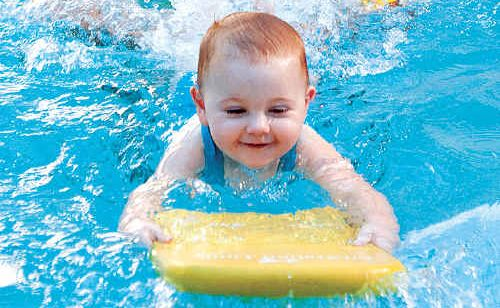 Children's superstar Laurie Lawrence will be at Australia Zoo to spread his swimming safety message.