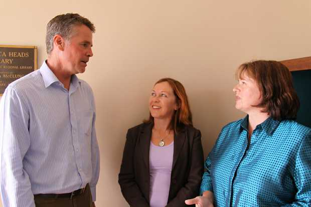 Andrew Stoner MP meeting with concerned parents Jan Gill (left) and Christabel Wright (right).