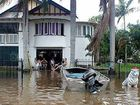 Hundreds abandon homes in flood