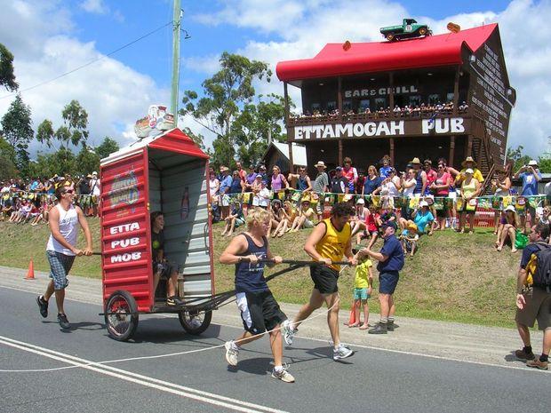 sunshine coast races form guide