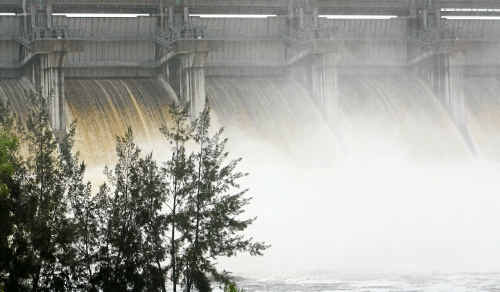 Leslie Dam will not be lowered to accommodate predicted rainfall in the next three months.