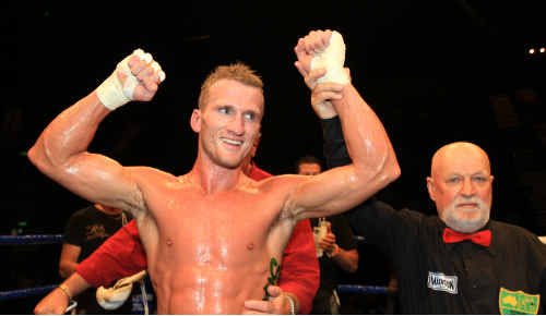 Boucing back: Gold Coast fighter Les Sherrington's overseas ambitions have been put on hold.