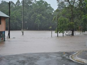 Heavy rain forces closure of Mt Isa highways
