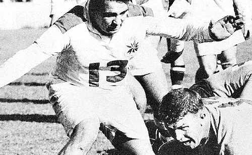 Australian Rugby League's team of the century prop Duncan Hall, 85, has died in a Coolum nursing home.