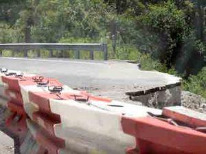 Landslide closes Gap again