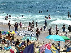 Beach weather: Record temperatures on the way