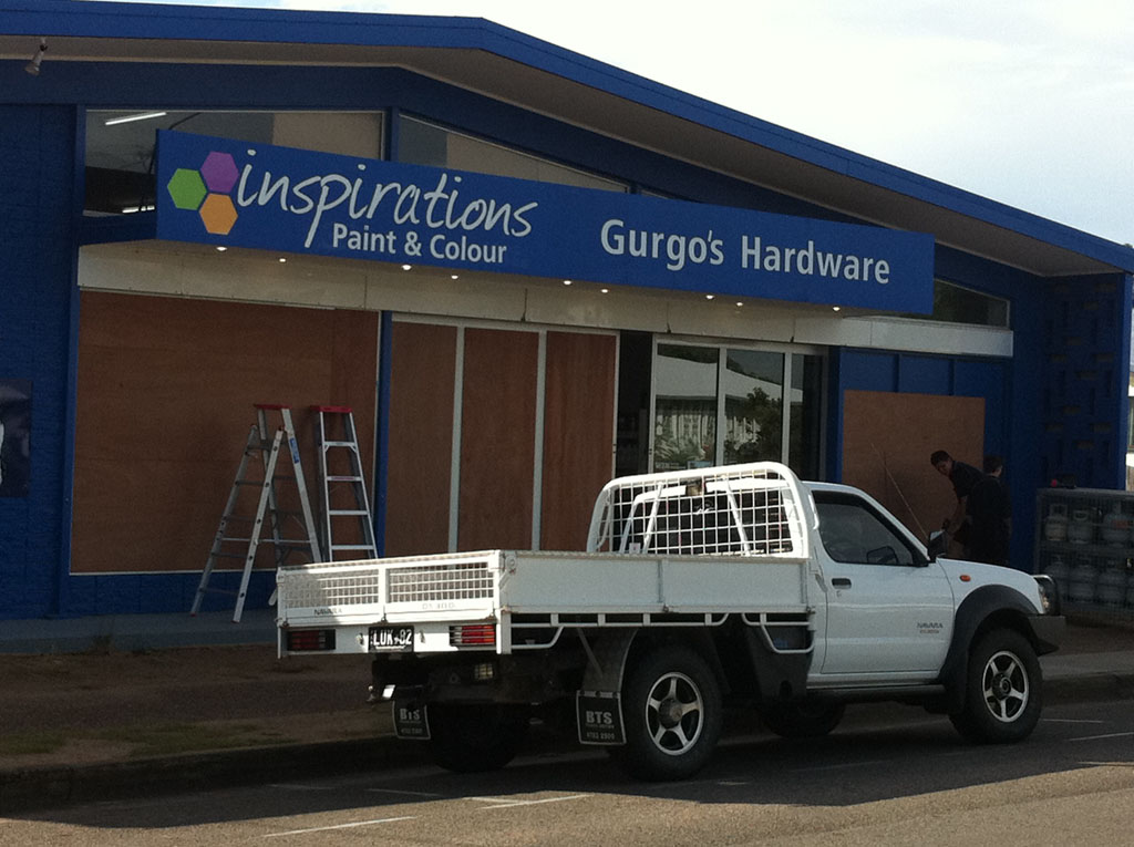 A business in Ayr prepares for Cyclone Yasi.