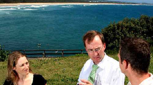 Greens candidate Andrea Vickers with Greens MP David Shoebridge and Ashley Baldry From Cabarita Beach Dune Care