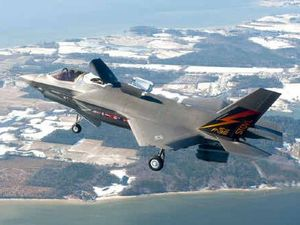 Joint Strike Fighter grounded after engine cracks found
