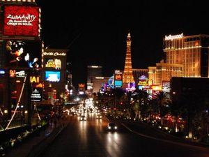 Las Vegas: Neon dreams live on