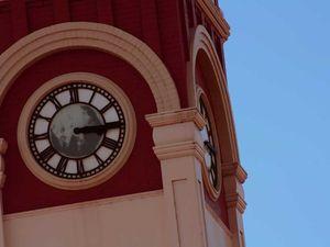 Iconic clock under repair