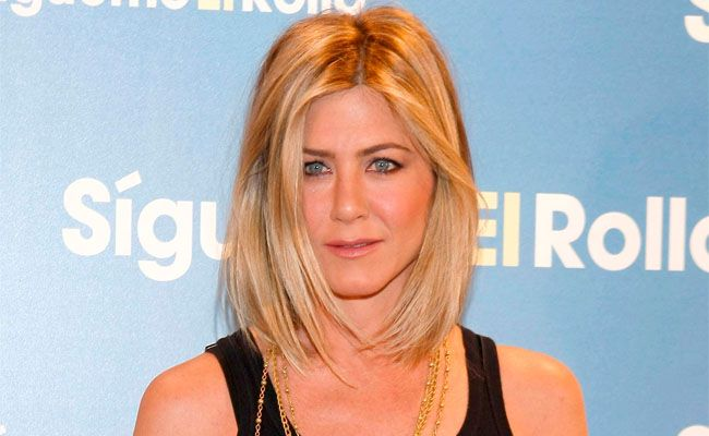 Jennifer Anniston has new hair.