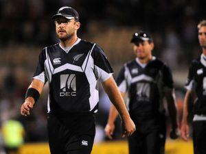 Kiwi to boost Heat in Big Bash