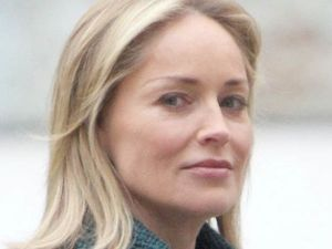 Sharon Stone pulled out of music awards over money