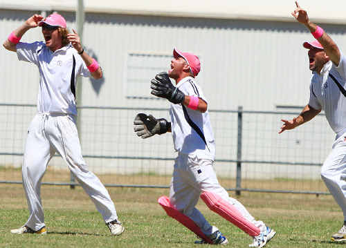 There was no missing Emerald Brothers cricketers when they tackled Rolleston at the Emerald Showgrounds in the final round of the regular season for Central Highlands senior cricket.