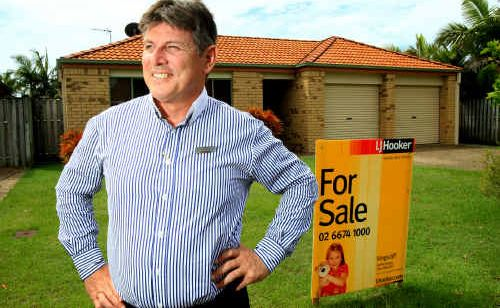 LJ Hooker Kingscliff principal Paul McMahon with the type of local home national valuers say is a good, long-term investment.