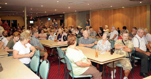 Beerwah-Peachester RSL sub-branch has turned down an offer to talk from the citizens' club.