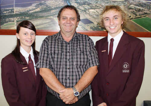 Capella students Amy Slatter and Tom Lewis with Mayor Peter Maguire.
