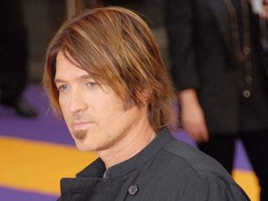 Billy Ray Cyrus drops divorce