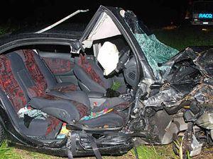 Horror head-on car crash