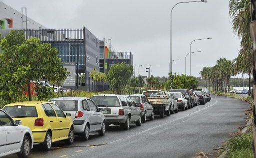 Parking woes along Lake Kawana Blvd and the Nicklin Way at Wurtulla as a result of increased workers, including Youi staff working in The Edge building.