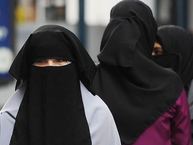 MP Peter Wellington is pushing for new legislation that would force women to remove burqas in some situations.