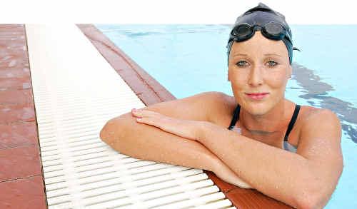Natasha Harrison, won the 17-18yrs, 5km and 10km Australian Open Water Swimming Titles.
