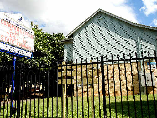 A Tweed Heads Public School teacher was exposed to asbestos for two weeks after classroom renovations. Photo: John Gass