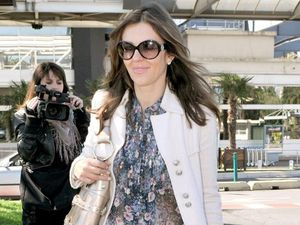 Liz Hurley still close to Hugh Grant