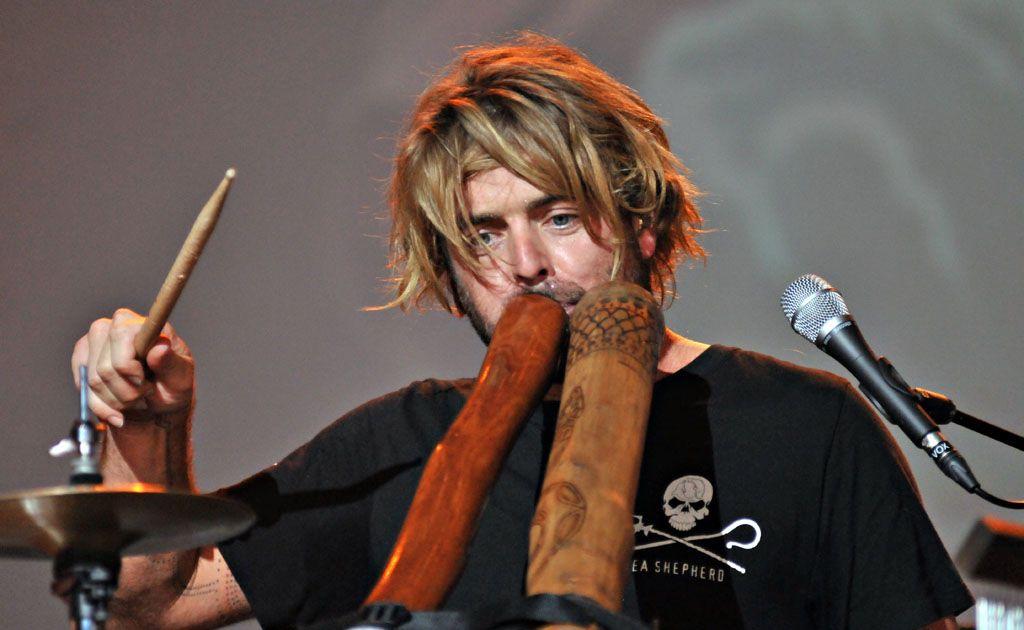Multi-instrumentalist Xavier Rudd plays his rhythmic and energetic style to packed audiences.